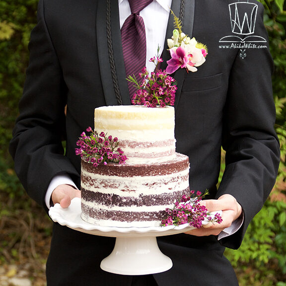 naked ombre plum wedding cake made by akiko white cakelustrator